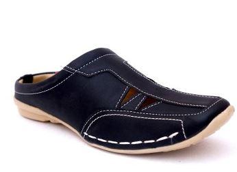 Manav Men Sandals Price: Rs. 499
