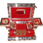 EtsiBitsi Trjwm Jewellery Vanity Box (Red) Price: Rs. 745