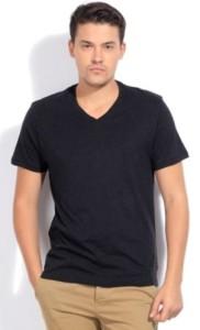 Levi's Solid Men's V-neck T-Shirt