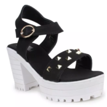 Fashionable shoes at 50% off