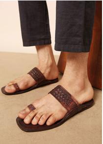 Indie picks, pure leather kolhapuri leather chappals at Rs1000 on ajio