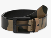 Levis camo print leather belt with buckle closure